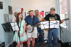 The Pnuckleheads have appeared in Vicksburg during the Art Stroll and now they will be featured on the second Coffeehouse Concert Series on Friday, February 19.
