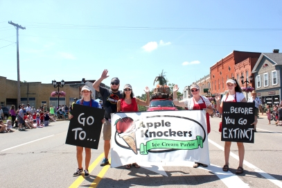 Apple Knockers' float won first place in the Schoolcraft 4th of July parade.