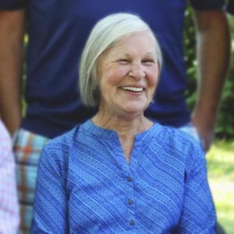 Gloria L. Manuszak.