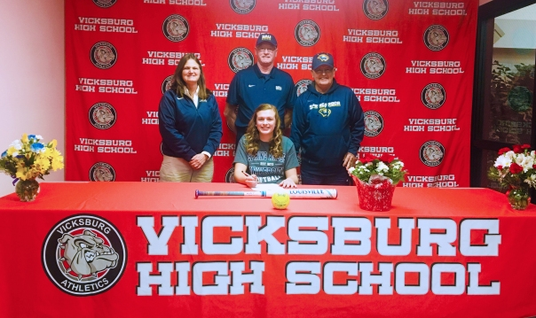 abby lafler signs loi 2