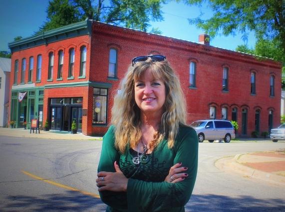 Leeanne Seaver, local author.