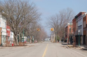 Downtown Vicksburg was devoid of cars and people on March 26 during the noon hour. Photos by Kendallyn Freeland.